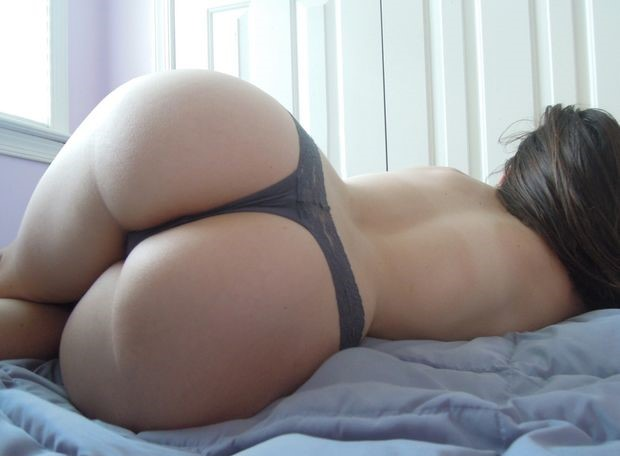 Big booty white girl laying down