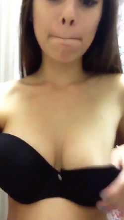 Quick look at my tits and pussy
