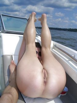 Wild wife naked out in the sea