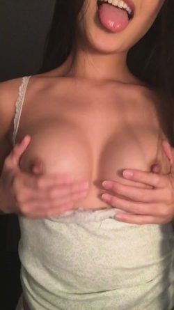 Hot Asian girl with magnificent boobs – titty flash