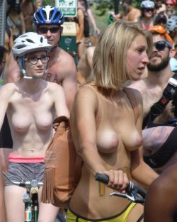 Pale topless rider have the most suckable boobs