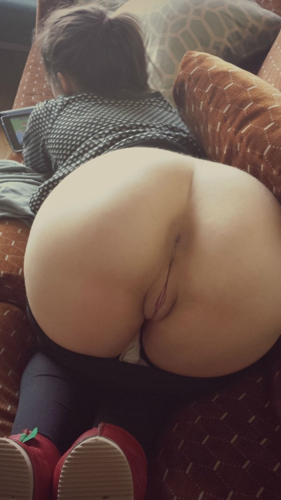 Perfect view of her perfect ass and pussy