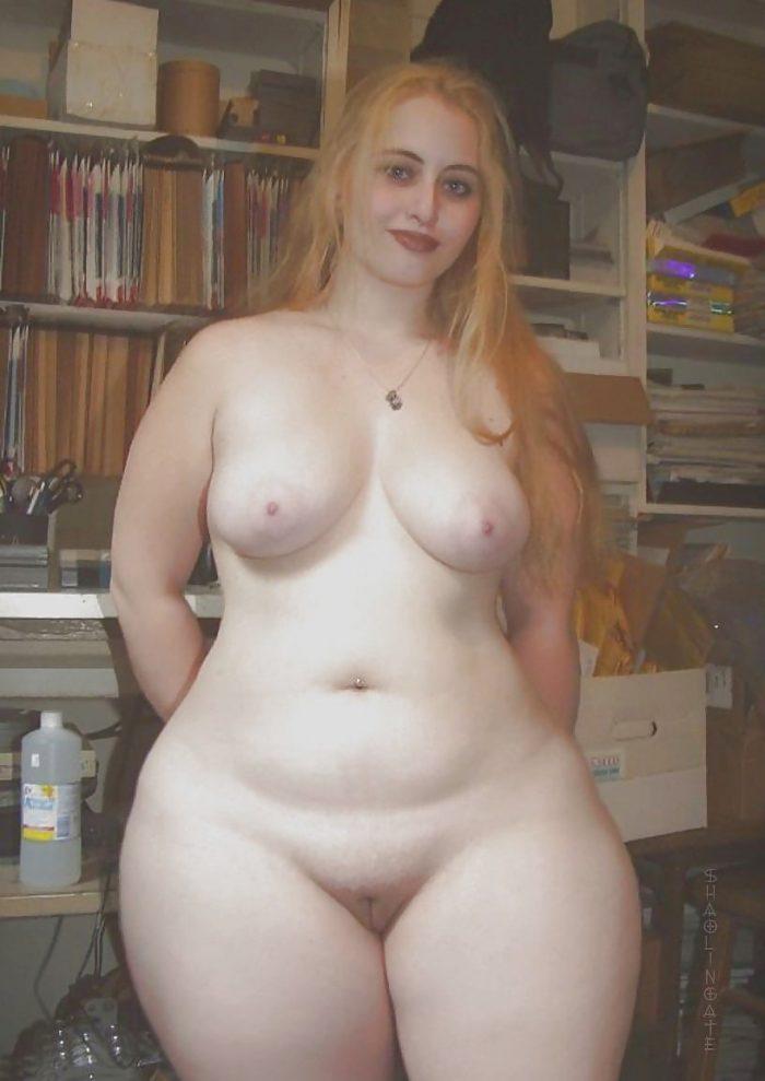 SUper thick redhead babe