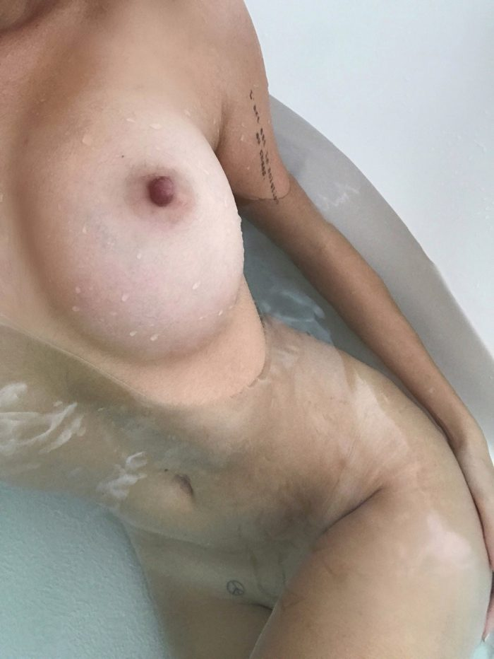 Gallery of my smoking hot nude body