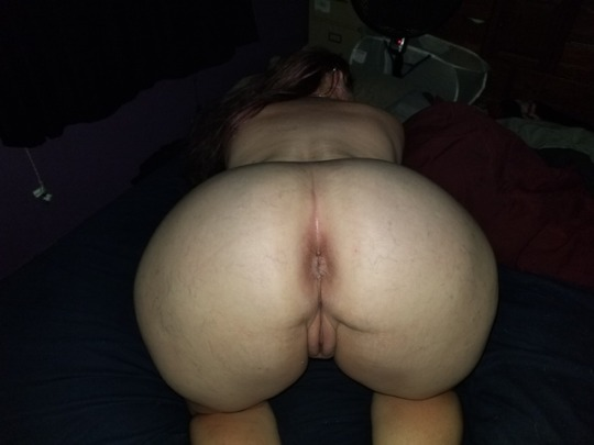 Phat ass wife bending over for anal