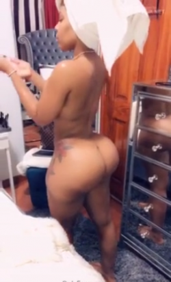 Take a lot at my new phat ass bitxh